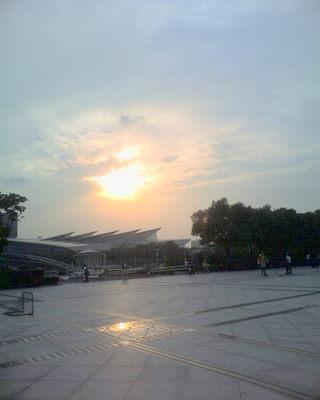 @上海科技馆广场一角
